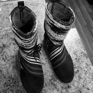 Tom's booties